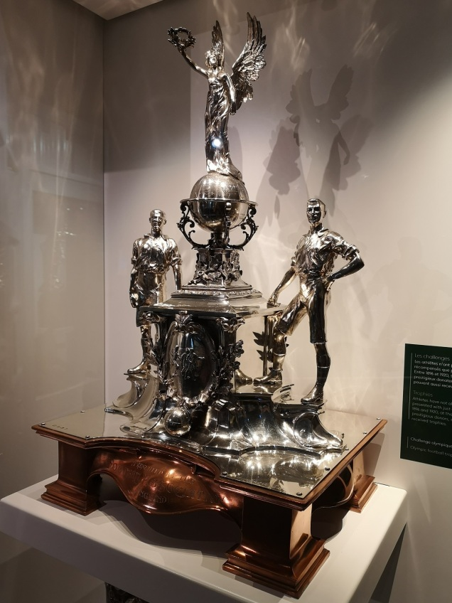 1908_Olympic_Challenge_football_trophy